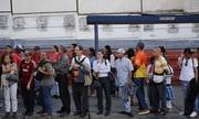 Tình cảnh đi làm còn tốn tiền hơn ngồi nhà ở Venezuela