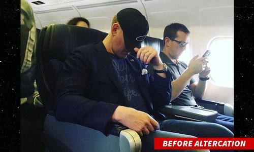 Rob ONeill say xỉn trên máy bay trước khi được áp tải ra ngoài. Ảnh: TMZ.