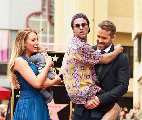 Trong vòng tay thương yêu của cặp vợ chồng Ryan và Blake.