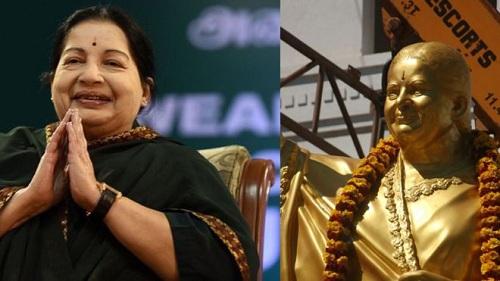 Cựu thủ hiến bang Tamil Nadu (trái) và bức tượng đúc từ đồng (phải). Ảnh: AFP.