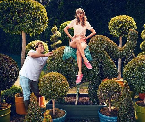 Tranh thủ giúp Taylor Swift một tay.
