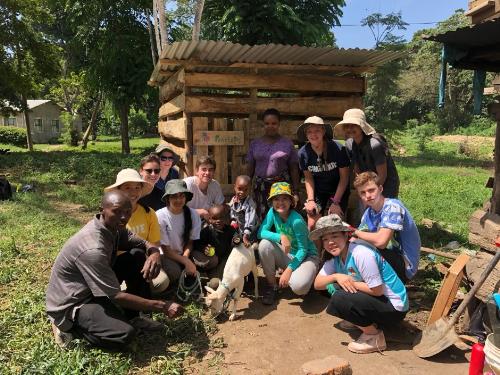 Học sinh trường BVIS tham gia chuyến thám hiểm công dân tại Tanzania.