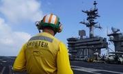 Trên boong tàu sân bay Mỹ sắp thăm Việt Nam