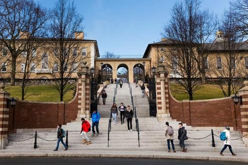 Một góc khuôn viên Đại học Tufts, nơi Nguyễn Nam Việt theo học trong bốn năm tới. Ảnh:Tufts University