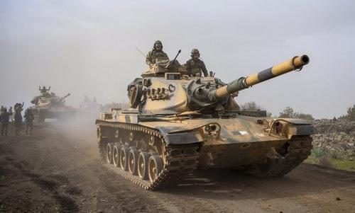 Xe tăng Thổ Nhĩ Kỳ tiến về Afrin. Ảnh: Jpost.