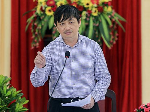 Ông Đặng Việt Dũng kết luận tại buổi lấy ý kiến các sở, ngành. Ảnh: Nguyễn Đông.