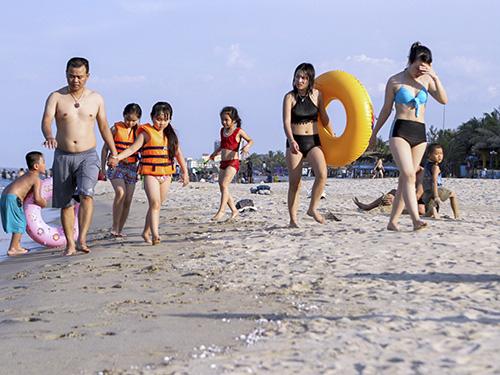Đà Nẵng với bãi biển đẹp, không khí trong lành đang là điểm đến của nhiều du khách. Ảnh: Nguyễn Đông.
