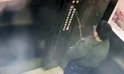 Bé trai Trung Quốc kẹt trong thang máy vì tiểu tiện lên bảng điều khiển