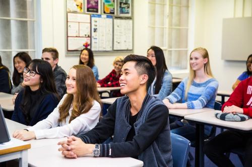 Trường Eynesbury có quy mô lớp học nhỏ và nhờ vậy sinh viên nhận sự quan tâm đặc biệt từ giáo viên.