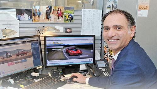Ali Reda, kỷ lục gia mới về doanh số xe. Ảnh: Automotive News.