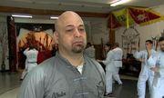 'Flores liên tục thách đấu giới võ sĩ Việt theo kiểu lấy thịt đè người'