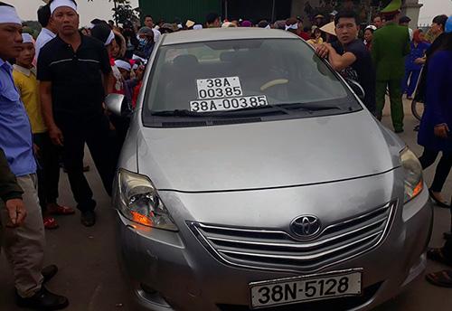 Xe ôtô mà tài xế Hoàng điều khiển hôm xảy ra tai nạn. Ảnh: Đ.H
