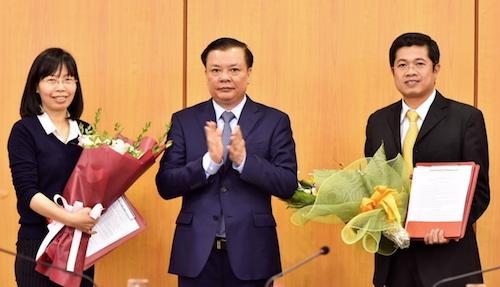Bộ trưởng Đinh Tiến Dũng trao quyết định nhân sự tại Bộ Tài chính.