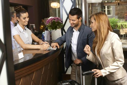 Ngành du lịch - nhà hàng - khách sạn đòi hỏi đam mê, tố chất và nhiều kỹ năng như giao tiếp, đàm phán, chịu đựng áp lực...