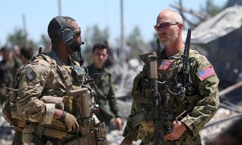 Binh sĩ Mỹ tại căn cứ lực lượng người Kurd ở núi Karachok, Syria, tháng 4/2017. Ảnh: Reuters.