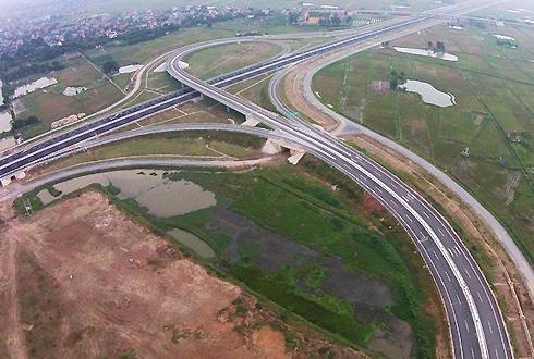 Bình quân suất đầu tư cho cao tốc 4-6 làn xe là 215 tỷ đồng/km. Ảnh:Giang Huy.