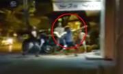 Hỗn chiến trước quán karaoke ở Hà Nội, nam thanh niên bất tỉnh