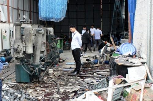 Nhà xưởng tan hoang sau khi bình khí ni-tơ phát nổ. Ảnh: ANHP