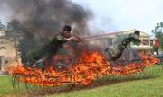 Màn vượt tường lửa, trình diễn võ thuật của bộ đội Huế