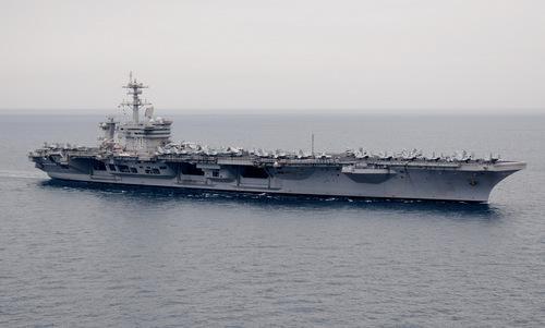 Tàu sân bay USS Carl Vinson trước cuộc đột kích nhà của bin Laden. Ảnh: US Navy.