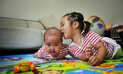 Dân Trung Quốc không mặn mà chuyện sinh hai con