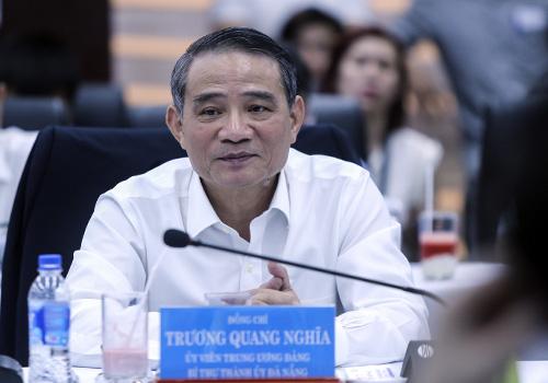 Bí thư Thành ủy Đà Nẵng Trương Quang Nghĩa cho rằng với tần suất bay lớn và lượng khách tăng mạnh, Đà Nẵng cần thiết phải mở rộng cảng hàng không. Ảnh: Nguyễn Đông.