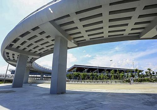 Dịp APEC 2017, Đà Nẵng đã đưa vào hoạt động nhà ga hành khách quốc tế, với mức đầu tư 3.500 tỷ đồng. Ảnh: Nguyễn Đông.