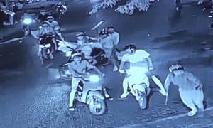 20 thanh niên đập phá, ném bom xăng vào nhà dân ở Đồng Nai