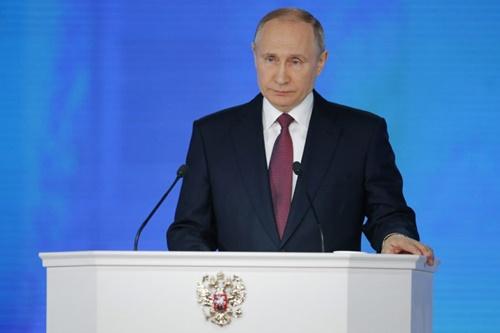 Tổng thống Nga Putin đọc thông điệp liên bang hôm 1/3. Ảnh: AP.