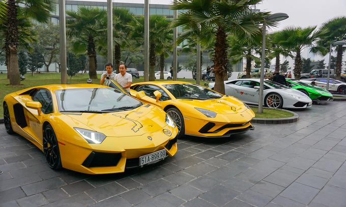 Dàn siêu xe của đại gia Việt hội tụ tại Hà Nội