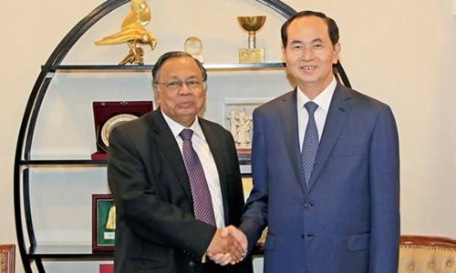 Chủ tịch nước Trần Đại Quang (phải) gặp Ngoại trưởng Bangladesh Abul Hassan Mahmood Ali. Ảnh: TTXVN.