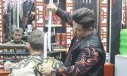 Đoàn làm phim Nga đến Đà Nẵng quay kỷ lục gia cắt tóc bằng kiếm