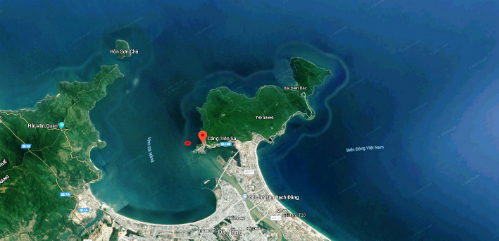 Cảng Tiên Sa (chấm đỏ trên bản đồ)nơitàu sân bay Mỹ neo đậu.