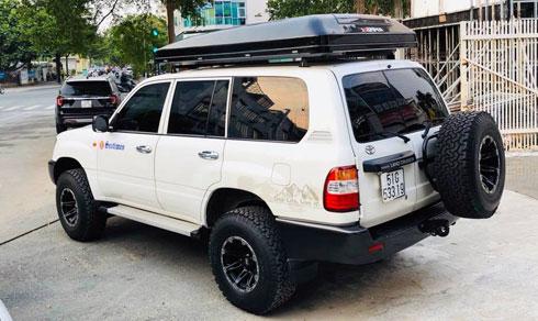 Lều gắn nóc xe ikamper nhập từ Hàn Quốc gắn gọn gàng phía trên mui xe.