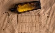Thông điệp trong chai lâu đời nhất thế giới trên bãi biển Australia