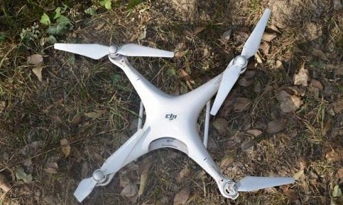 Xác một UAV bị quân đội Pakistan bắn hạ hồi tháng 10/2017.