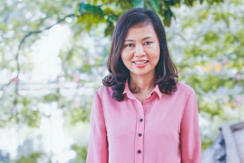 Chị Trần Vân Khánh đã chủ trì và tham gia 29 đề tài nghiên cứu khoa học các cấp. Ảnh: Dương Tâm