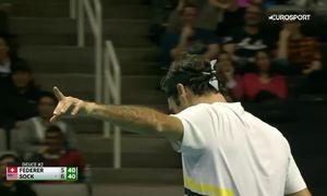 Jack Sock làm Roger Federer giật mình