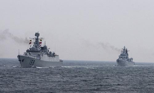 Biên đội tàu chiến Trung Quốc trở về cảng nhà. Ảnh: Sputnik.