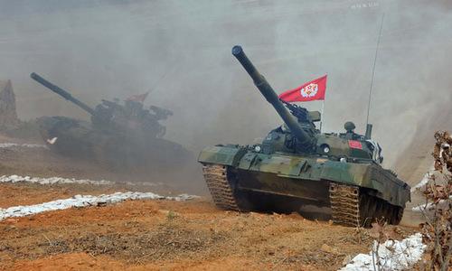 Xe tăng Thiên Mã tham gia giải đua tăng của quân đội Triều Tiên. Ảnh: KCNA.