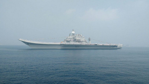 Tàu sân bay Ấn Độ sau khi kết thúc cuộc tập trận. Ảnh: Indian Navy.