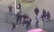 Học sinh trung học Hà Lan đuổi đánh kẻ tấn công cầm dao