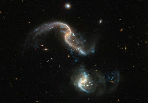 Hình ảnh vụ va chạmArp 256 trong chòm sao Kình Ngư. Ảnh: NASA.