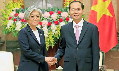 Chủ tịch nước Trần Đại Quang tiếp Ngoại trưởng Hàn Quốc hôm nay. Ảnh: TTXVN.