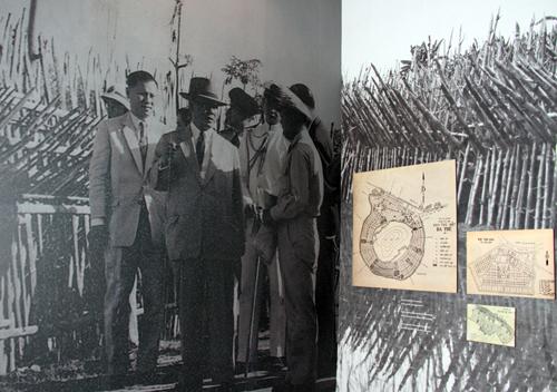 Ông Diệm ở khu trù mật Ba Th, An Giang.