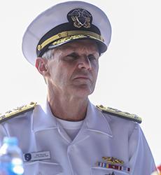 NgàiPhilip G. Sawyer, Tư lệnh Hạm đội 7. Ảnh: Nguyễn Đông.