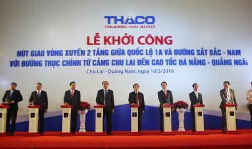 Lãnh đạo Bộ Giao thông và Quảng Nam cùng Thaco khởi công dự án. Ảnh: Đắc Thành.