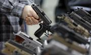 Florida thông qua luật trang bị súng cho nhân viên trường học