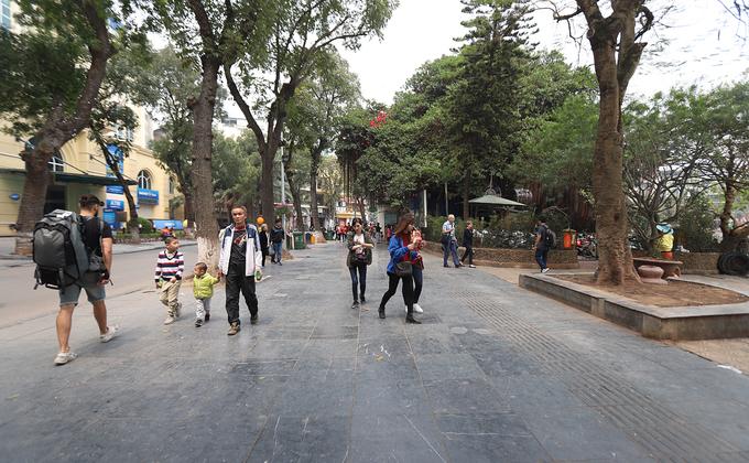 Hà Nội đề xuất lát đá hoa cương Bình Định cho vỉa hè Hồ Gươm