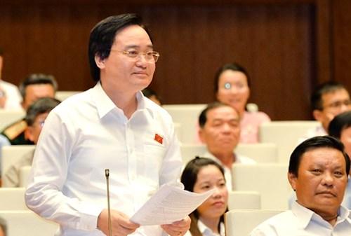 Bộ trưởng Giáo dục và Đài tạo Phùng Xuân Nhạ. Ảnh: QH
